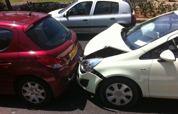 תאונת דרכים עקב אי שמירת מרחק